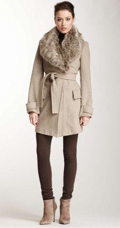 Fur collar coat: LOVE THIS LOOK!