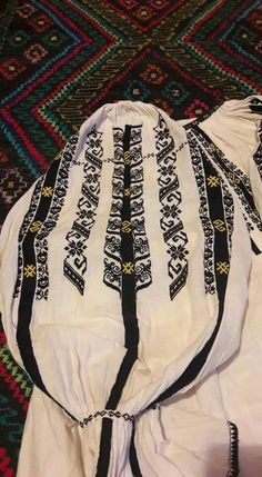 Folk Embroidery, Anthropologie, Costumes, Traditional, Handmade, Dresses, Romania, Hand Made, Vestidos