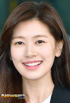 Baek Seung Jo, Korean Drama Series, Playful Kiss, Jung So Min, Young Actresses, Moon, Actors, Random, Places