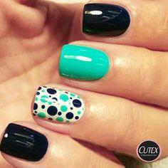 Cute polka dot accent nail More