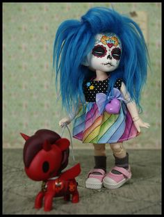 Super cute! #dolls #toys #Day_of_the_Dead #skulls