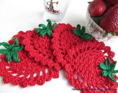Gorgeous strawberry coaster pattern