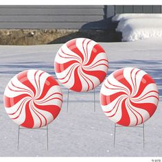 Peppermint Christmas Decorations, Gingerbread Christmas Decor, Merry Christmas, Christmas Diy, Best Outdoor Christmas Decorations, Outdoor Candy Cane Decorations, Christmas Yard Art, Decorating With Christmas Lights, Christmas Things