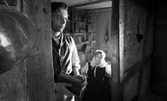 Die andere Heimat - Chronik einer Sehnsucht Jakob (Jan Dieter Schneider) und seine Mutter Maria (Marita Breuer) © Concorde Filmverleih 2013/Christian Lüdeke