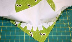 tutorial on sewing perfect circles! I love it when I find a great tutorial! Sewing Lessons, Sewing Class, Sewing Basics, Sewing Hacks, Sewing Tips, Sewing Ideas, Quilting Tips, Quilting Tutorials, Sewing Tutorials