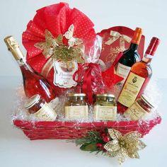 I #cesti #natalizi contenenti prodotti #enogastronomici proposti dal nostro sito http://www.wine-gift-baskets-boxes.com non conoscono crisi, sono sempre molto apprezzatiIdea Regalo Cesto Natalizio