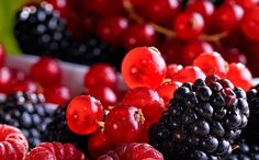 Learn What 4 Berries Can Do For Your Health And Wellness Healthy Cooking, Healthy Recipes, Healthy Foods, Health And Wellness, Health Fitness, Health 2020, Fruit Benefits, Sugar Intake, Healthy Habits
