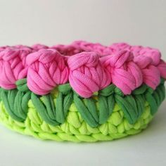 Diy Crafts - Crochet ideas that love Knitted Flower Pattern, Crochet Basket Pattern, Knit Basket, Easy Crochet Patterns, Crochet Designs, Knitting Patterns, Crochet Bowl, Cute Crochet, Crochet Yarn