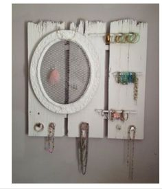 Rustic jewelry hanger. Love the chicken wire!