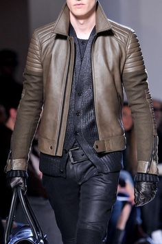 Choosing The Right Men's Leather Jackets – Revival Clothing Brown Leather Jacket Men, Lambskin Leather Jacket, Vintage Leather Jacket, Leather Men, Leather Pants, Leather Jackets, Leather Fashion, Mens Fashion, Fashion Menswear