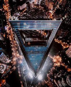World Financial Center designed by Kohn Pedersen Fox. (2008)  Pudong #Shanghai #China   @a.haha.h . . . . . #lines #arquitecturamx #architecturelovers #mixedmedia #diagonal_symmetry #ic_architecture #rsa_architecture #minimal #realestate #ig_buenosaires #architektur #cbviews #contemporaryart #decoration #skystyles_gf #city #architectureporn #lookingup_architecture #instadecor #decoracao #dreamhome #igswstockholm #streetlife #archimasters #arts #skyscraper #midcenturymodern…