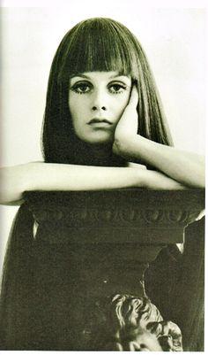 70年代はウィッグの時代 ウィッグの特集 おかっぱとツィッギー、マーク・ジェイコブスコレクション|最新ファッショントレンド情報|ファッショントレンド|シュワルツコフ オンライン