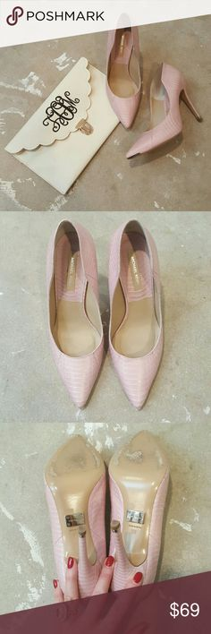 MICHAEL Michael Kors LIght Pink Heels I am selling a preppy and feminine pair of MICHAEL Michael Kors Heels.  This pointy toe silhouette and the color lend themselves perfectly to a sweet and sassy vibe.  They have perfect for a night out or paired with jeans for brunch, style possibilities are endless.  Excellent condition, barely worn!!  Size 39, listing as a 8.5 as that's the size I believe they actually fit. MICHAEL Michael Kors Shoes Heels