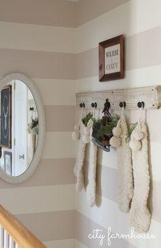 City Farmhouse Hallway, warm & cozy-Holiday Tour