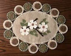 Wool Penny Rugs by on Etsy Penny Rug Patterns, Wool Applique Patterns, Felt Applique, Hand Applique, Print Patterns, Penny Rugs, Felted Wool Crafts, Felt Crafts, Wool Quilts