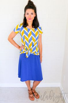 LuLaRoe knotted Classic Tee and Azure skirt  Love the look? Come shop with us: www.facebook.com/groups/lularoekateandlea