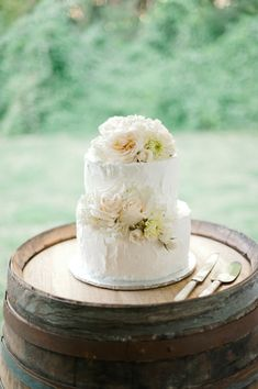 Simple small wedding cake Cakes Pinterest Small wedding