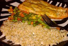 Ripped Recipes - Spicy Salmon and Quinoa Spicy Recipes, Healthy Recipes, Healthy Foods, Bulking Meals, Healthy Cooking, Healthy Eating, Ripped Recipes, Vegetable Quinoa, Spicy Salmon