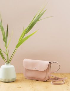 Keecie - Cat Chase leather bag in soft pink - print inside