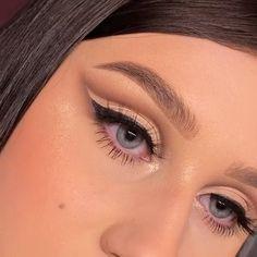 Glamour Makeup, Beauty Makeup, Hair Makeup, Women's Beauty, Prom Makeup, Luxury Beauty, Beauty Skin, Makeup Tips, Beautiful Eye Makeup