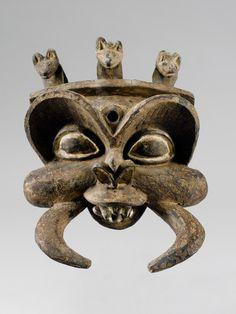 DU MASQUE GRASSLAND Bamileke, Cameroon. Hauteur: 57 cm Provenance: Arnold Bamert, Solothurn.