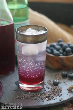 Shrubs Blueberry Lavender Shrub Syrup (Drinking Vinegar) - Add this blueberry lavender drinking vinegar to a glass of sparkling water for a refreshing summer drink! Also makes a great signature cocktail. Fun Cocktails, Cocktail Drinks, Alcoholic Drinks, Beverages, Yummy Drinks, Healthy Drinks, Fruity Drinks, Healthy Recipes, Kefir