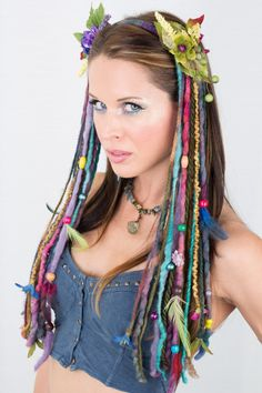 Dark Rainbow Dreaded Faery Headdress This headdress is built on a headband, and is very comfortable to wear. Hand dyed dark rainbow dreads hang down along with your natural hair. Festival Gear, Festival Costumes, High Fashion Makeup, Diy Fashion, Wacky Hair, Beauty Makeover, Design Textile, Hair Decorations, Headband Hairstyles