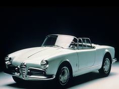 The #AlfaRomeo Giulietta (series 750 and 101) was a subcompact automobile manufactured by the Italian car maker Alfa Romeo from 1954 to 1965.    The first Giulietta model was a coupé, the Alfa Romeo Giulietta Sprint, introduced in late 1954. This was followed by a sedan in spring 1955 and in mid 1955, the open two-Seat Alfa Romeo Giulietta Spider, featuring convertible bodywork by Pininfarina.