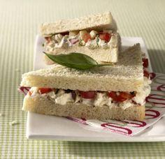 Tramezzini-Caprese - Rezepte: Klassische Sandwich Rezepte - 9 - [ESSEN & TRINKEN]