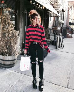 Winter grunge, outfits casual, punk outfits, hipster outfits, cute grunge o Grunge Winter Outfits, Grunge Party Outfit, Grunge Style Outfits, Grunge Fashion Winter, Fall Outfits, Party Outfits, Party Outfit Winter, Party Outfit Casual, Grunge Clothes