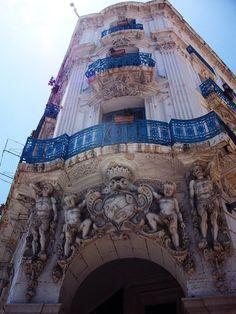 Nowdays - Haussmanian style building (19th, Algiers, Algeria)