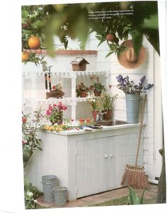 Potting Bench  #garden #organisedspaces