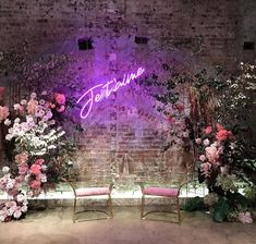 Yes I Do: Wedding trends to make the most difference . Event Planning Tips, Wedding Planning, Neon Rose, Neon Led, Wedding Mood Board, Photo Couple, Alternative Wedding, Wedding Trends, Wedding Signs