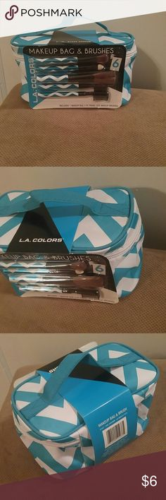 NWT Cosmetic bag never used w/makeup brushes La colors cosmetic bag includes 6 make up brushes L.A. colors Bags
