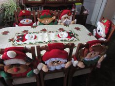 Mis invitados a la cena Christmas Chair Covers, Peppermint Candy, Chiffon, Xmas Decorations, Sewing Crafts, Sewing Tips, New Baby Products, Projects To Try, Christmas Ornaments