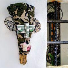 Textile and Palm Contemporary African Masks - &Banana Concept Store Vibrant Colors, Colours, African Masks, Great Artists, Palm, Banana, Textiles, Hand Painted, Concept