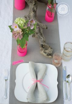I'm loving neon and neutral. It's a grown up way to use what can be a very bubblegum trend. Neon Pink and nature themed table setting from Margot Madison Creative