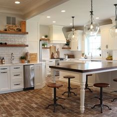 Awesome modern kitchen room are readily available on our web pages. Farmhouse Style Kitchen, Modern Farmhouse Kitchens, New Kitchen, Home Kitchens, Kitchen Decor, Kitchen Island, Pottery Barn Kitchen, Narrow Kitchen, Farmhouse Front