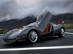 НОСОВОЙ ОБТЕКАТЕЛЬ БОЛИДА Формулы-1 в обязательном порядке стилизуют дизайнеры «параллельных» суперкаров