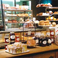 I love the idea of Sarabeth's Kitchens, visiting one would be amazing! Sarabeth Levine started her first bakery shop in 1981 and now she and her husband own and operate a jam factory, bakery cafe and nine restaurants!