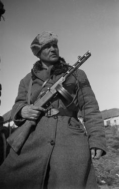 Portrait of a Soviet soldier in the west of Kursk.