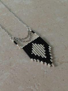 """"" (Image J… """" navajo-chic-black-and-silver (imagen JPEG, 1080 × 1440 píxeles) """" Bead Jewellery, Seed Bead Jewelry, Jewelery, Jewelry Necklaces, Bead Earrings, Beaded Necklace, Beaded Bracelets, Jewelry Crafts, Handmade Jewelry"