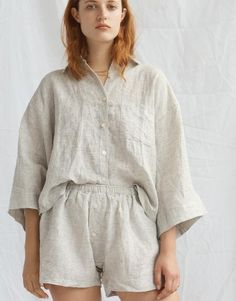 View our luxurious selection of linen loungewear, sleepwear & pyjamas in Australia. We sell high-quality linen products with worldwide shipment service. Sporty Outfits, Classy Outfits, Linen Drawstring Pants, Neutral Outfit, Suit Fashion, Pajamas Women, Pyjamas, Outfit Sets, Suits For Women