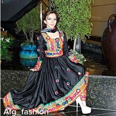 Afghan Traditional Fashion, Traditional Dresses, Pakistani Dresses, Indian Dresses, Afghani Clothes, Afghan Girl, Afghan Dresses, Western Outfits, Muslim Women