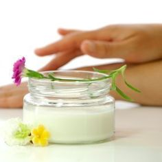 This page contains homemade hand cream recipes. Commercial hand creams can be expensive and contain a variety of unpronounceable chemical ingredients. You can use natural ingredients and make your own hand cream.