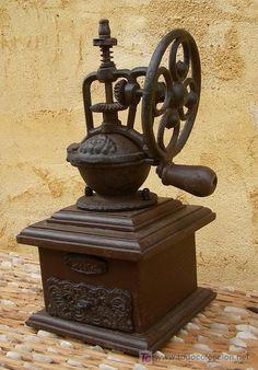 Antigüedades: molinillo de café