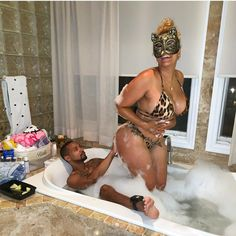 #ThirstTrap COUPLES: #JuelzSantana & #Kimbella take a BUBBLE BATH! [PICS] Laugh Now Cry Later, Lil Durk, Tyler Perry, Childish Gambino, Fashion Couple, Summer Body, Celebs, Celebrities, Nicki Minaj
