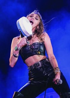 Miley Cyrus, Liam Hemsworth Fought At Malibu Party Over Her 'Obnoxious Antics'? Liam Hemsworth And Miley, Miley And Liam, Miley Cyrus, Women In Music, Hannah Montana, Her Music, American Singers, My Idol, Beautiful People