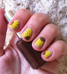 (via Miscellaneous Manicures: Sunflower Nails), i know Nichole will appricate this