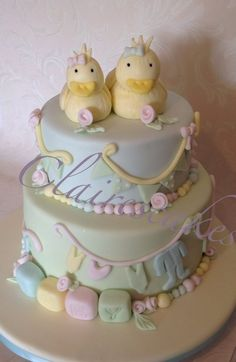 Vintage ducky baby shower cake